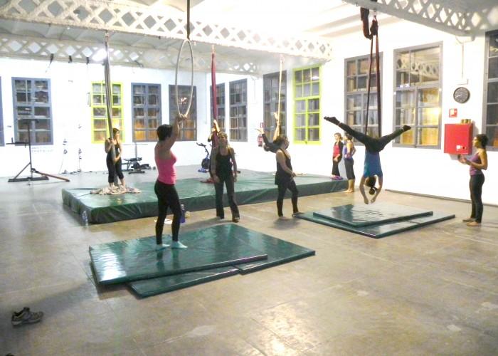 Exhibició i inici de les classes de teles acrobàtiques